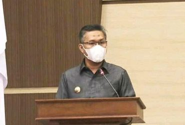 Wali Kota Kendari Serahkan LKPJ 2020 kepada DPRD