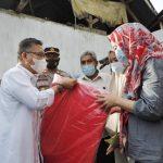 Wali Kota Kendari Bantu 8 KK, Korban Angin Puting Beliung di Kadia