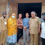Kunjungi Daerah Terluar, Bupati Konawe Janji Akan Perbaiki Jalan dan Pincara